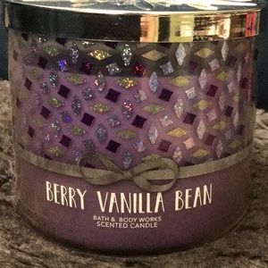 Bbw berry vanilla bean candle